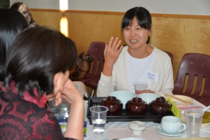 Hyoshin Kim at the Korean table