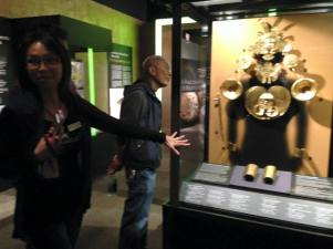 Tzu-I Chung guiding us through the gold rush exhibit